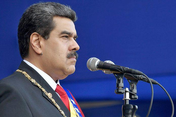 Nicolás Maduro aislado