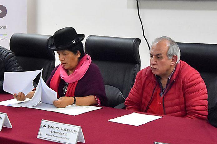 María Eugenia Choque y Antonio Costas