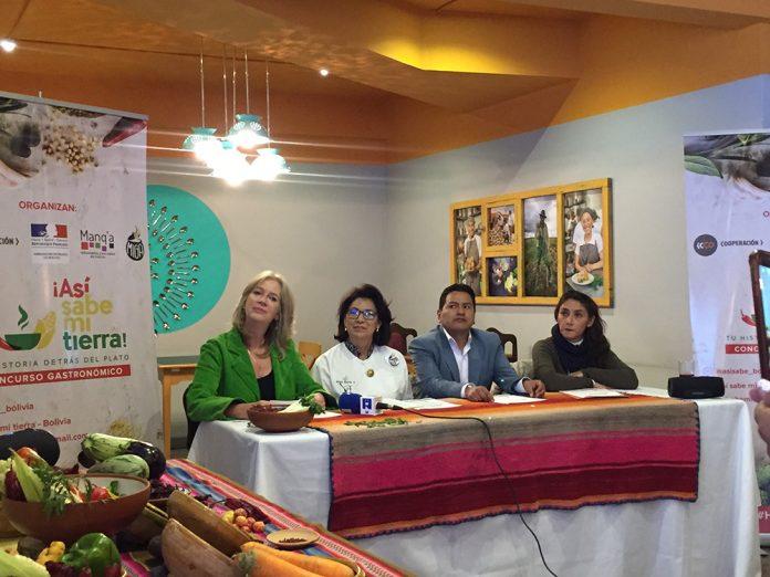 Conny-Toornstra-Directora-Regional-de-ICCO-Cooperación-Irina-Prado-representante-de-la-Embajada-de-Francia-en-Bolivia-Ariel-Tito-Gerente-de-Manqa-y-Anahí-Reyes-Presidenta-Directorio-Miga