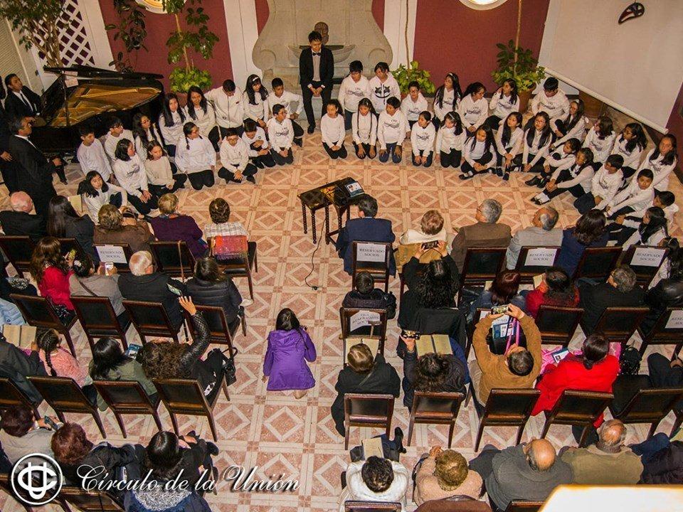 coros infantiles del Colegio Amor de Dios