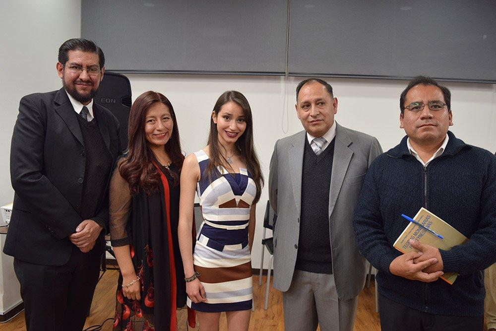 Un grupo de asistentes a la premiación