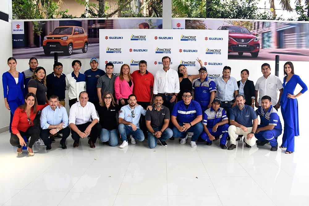 Enrique Pagola Gerente General Imcruz junto al Team Suzuki