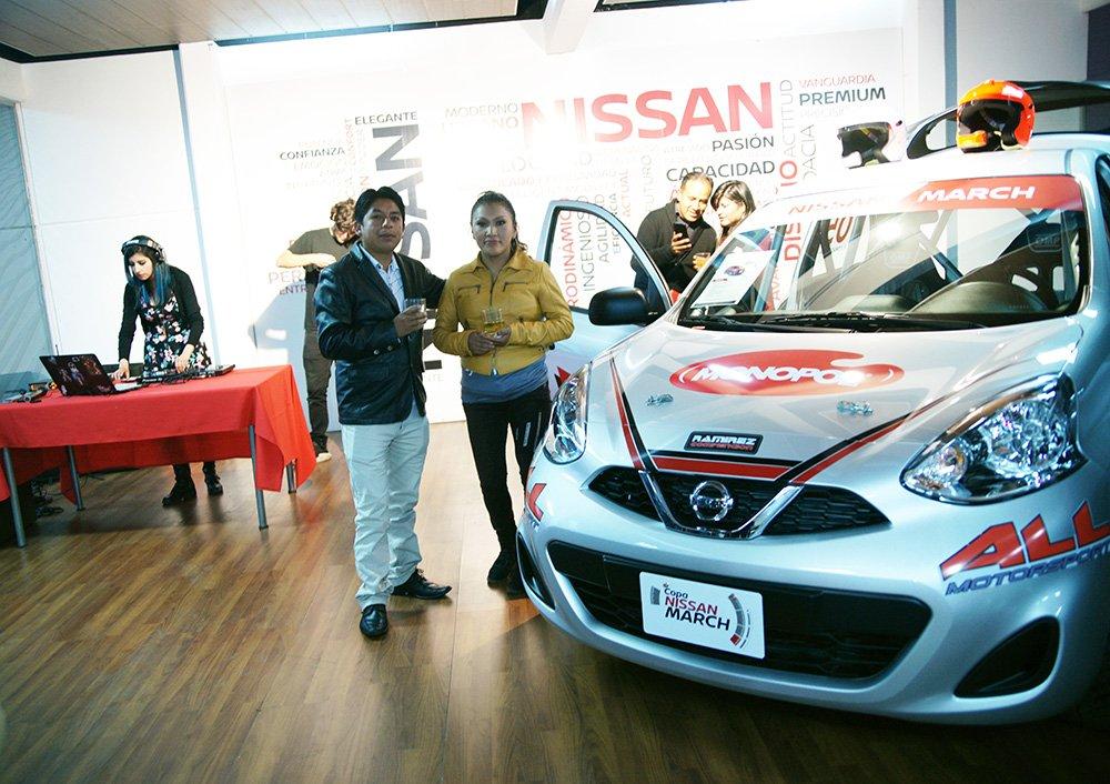 Nissan Bolivia presentó los vehículos que competirán en la Copa Nissan March 2