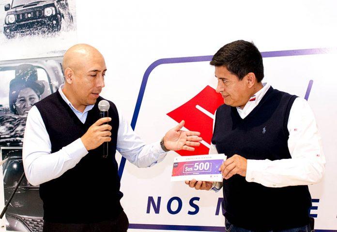 Pavel Flores Gerente marca Suzuki y Grover Vargas Presidente Wilstermann