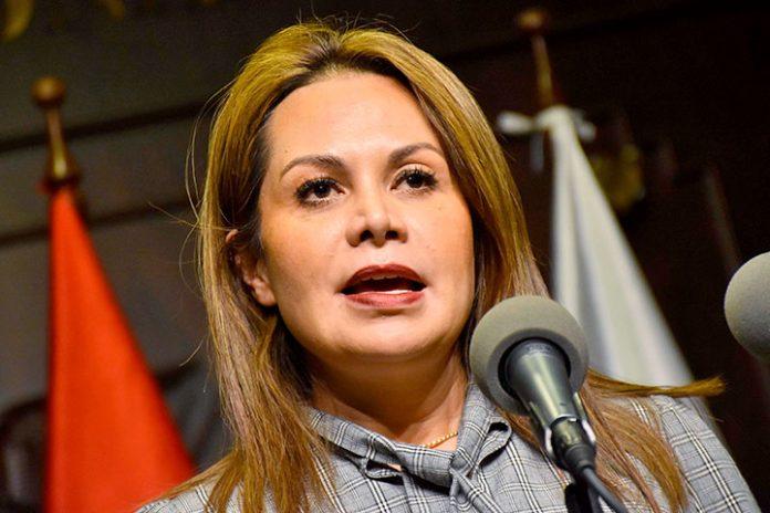 Roxana Lizárraga