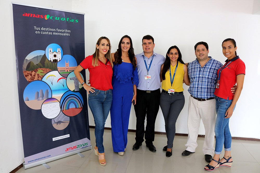 Jelissa Vargas Beatriz Baldiviezo Joassir Lusquiño Adriana Vaca Daniel Torrico y Jackeline Saucedo