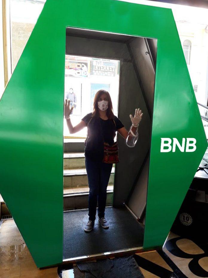 El Banco Nacional de Bolivia S.A. instaló cámaras de desinfección en los ingresos de agencias habilitadas a nivel nacional