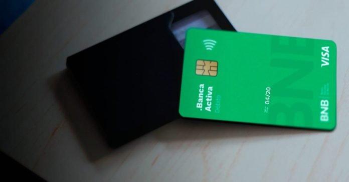 Las tarjetas de débito y crédito que vencen en abril podrán continuar siendo utilizadas para pagos en comercios y retiros en ATM's hasta el último día del mes de mayo