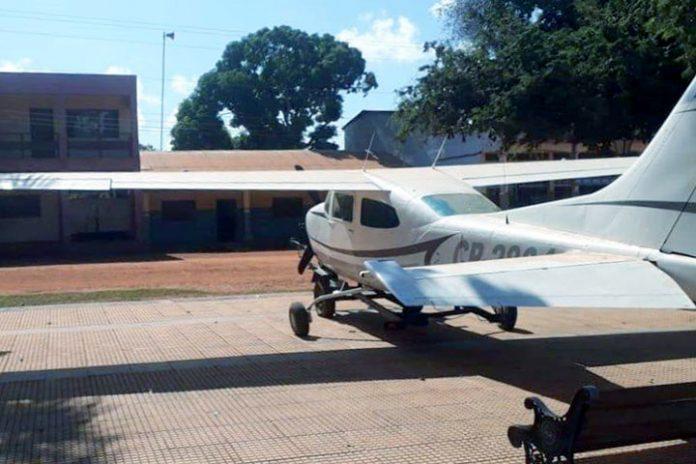 avioneta plaza principal Bella Vista