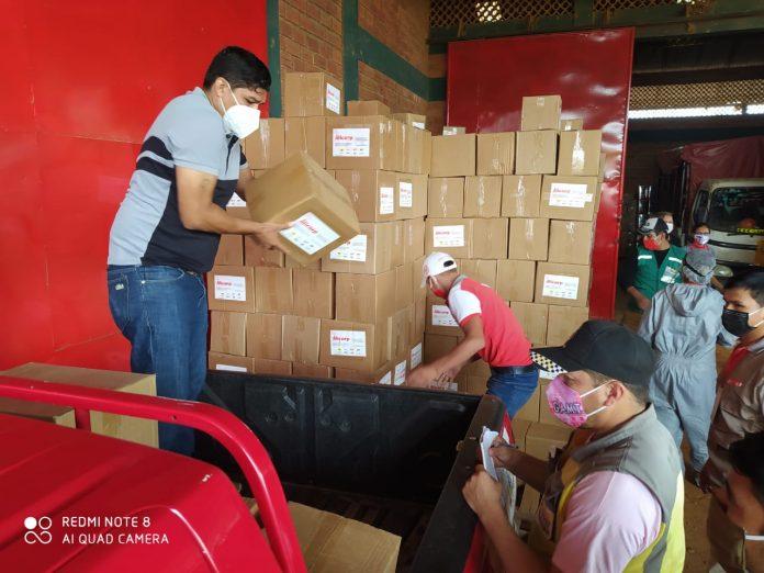 Equipo Alicorp y voluntarios de la Cámara de Comercio del Beni