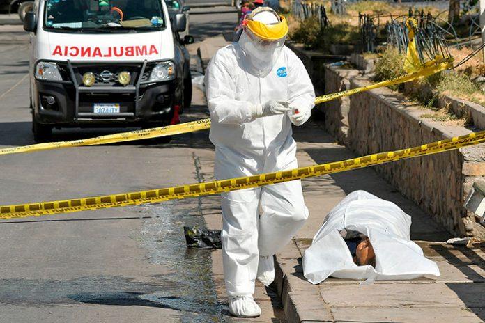 cuerpo sin vida de un hombre en Cochabamba