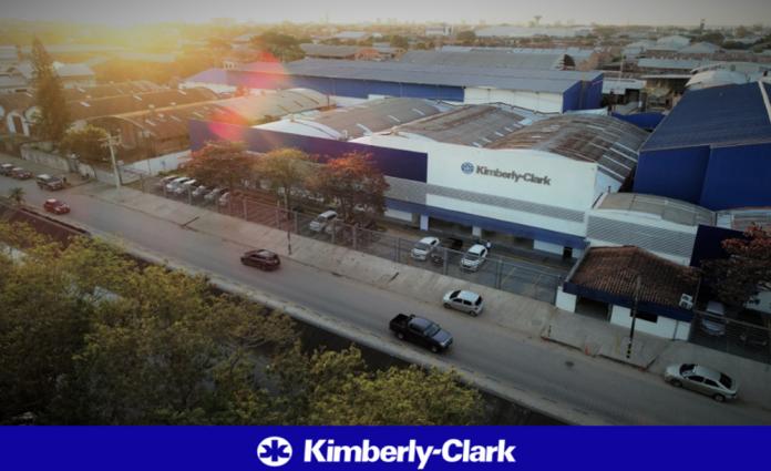 A nivel local la Planta Santa Cruz de Kimberly Clark Bolivia ha logrado reducir el consumo de agua total de produccion y uso humano en un 81