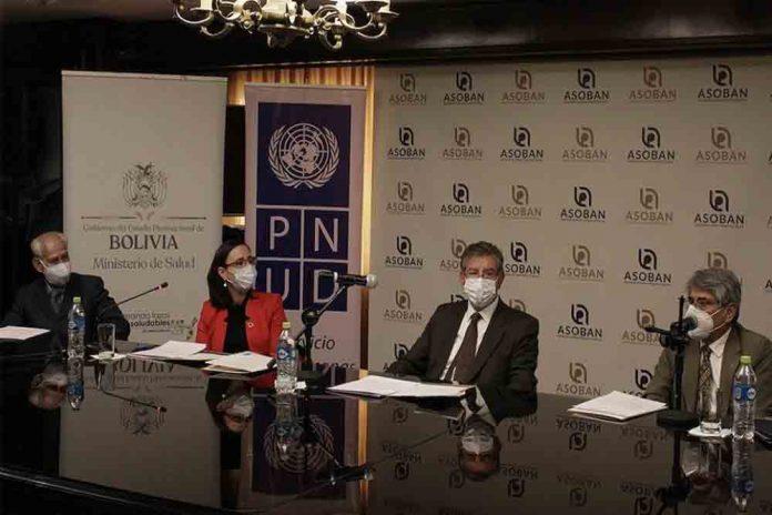 La Asociacion de Bancos Privados de Bolivia ASOBAN dono mas de 90 mil test de diagnostico PCR