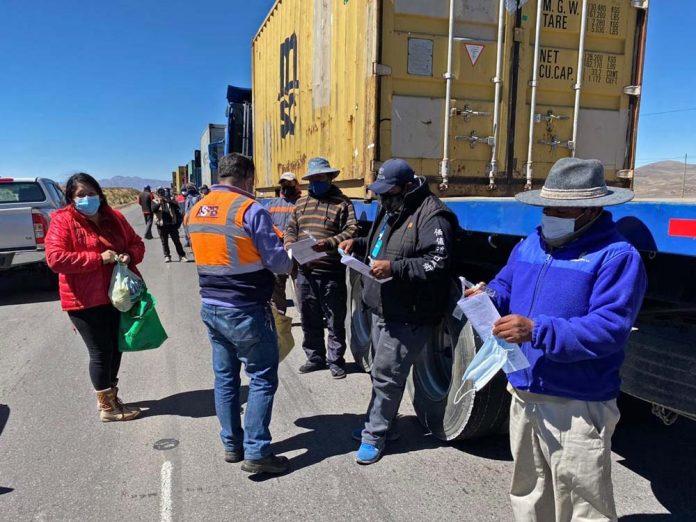 La entrega de insumos medicos y vituallas a los transportistas del sector pesado internacional