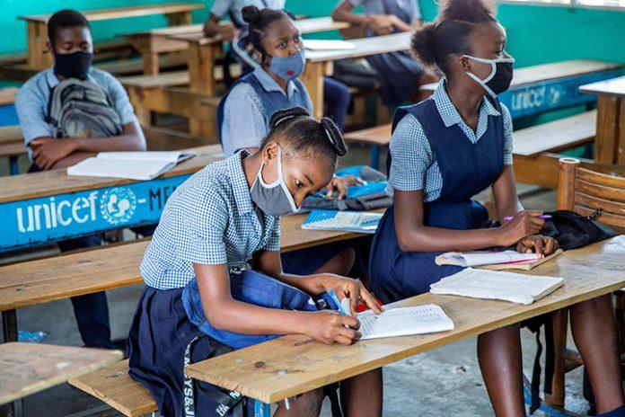 estudiantes Haití