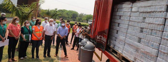 CBN dona 300 mil unidades de agua para contribuir a apagar el fuego en la Chiquitania