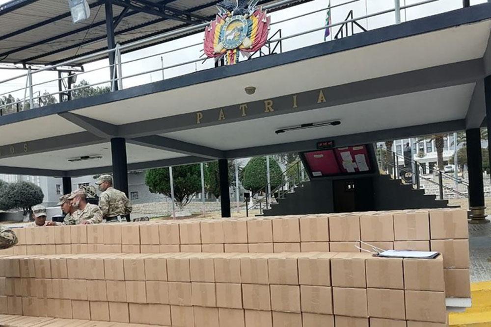 kits de bioseguridad al Colegio Militar del Ejercito