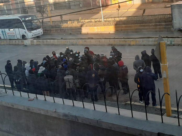 Impiden acceso de trabajadores a planta de Vita en El Alto