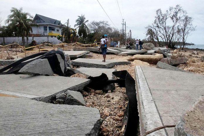 calle destruida en San Andrés