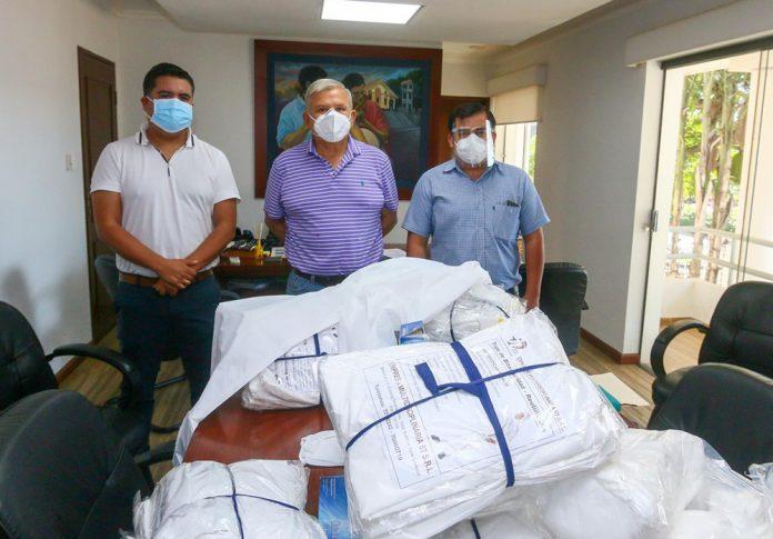 CBN entrego a La Guardia equipos de bioseguridad hechos en Bolivia