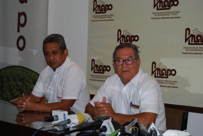 Jaime Hernandez Gerente General de Anapo y Fidel Flores presidente de la institucion