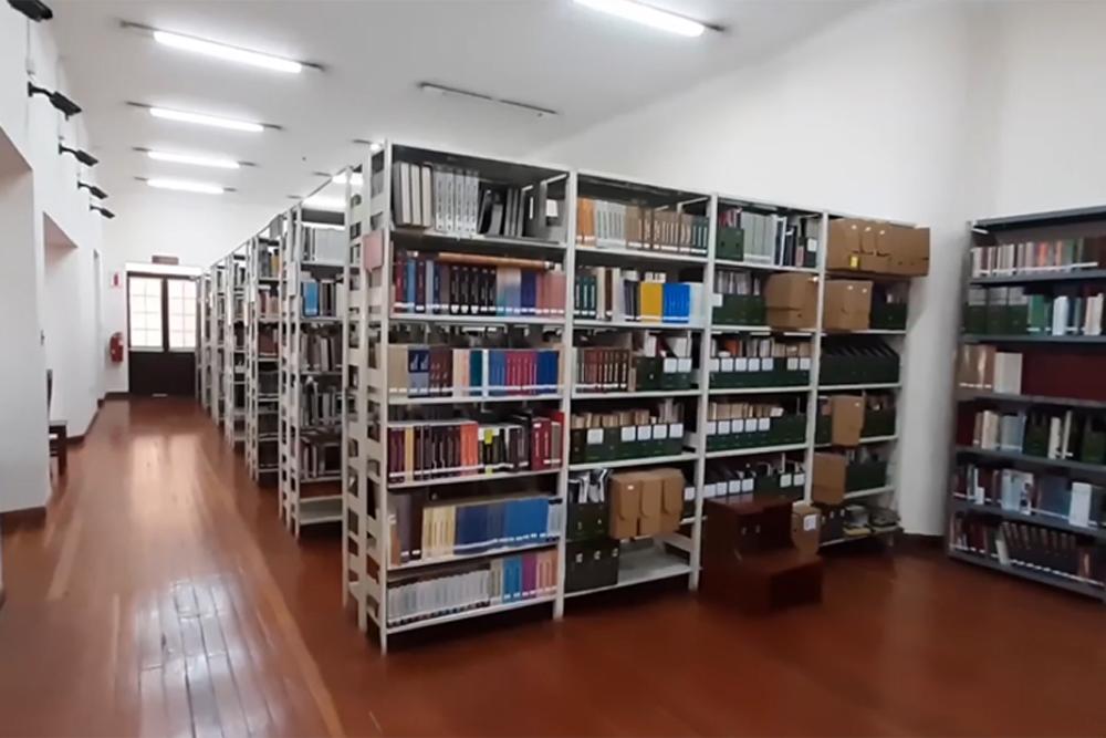 La Biblioteca Publica Gunnar Mendoza Loza
