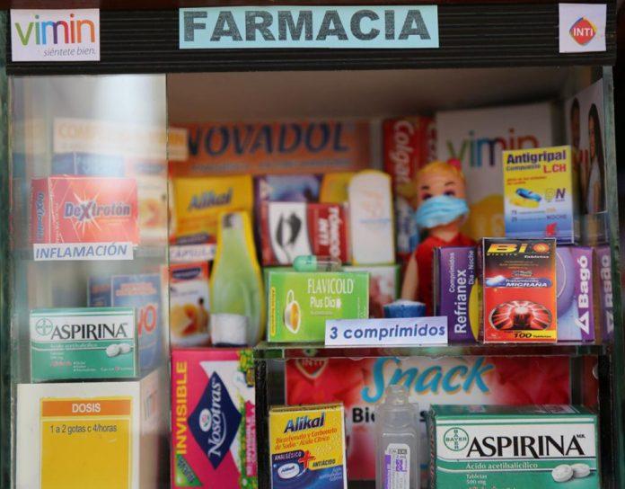 Productos de bioseguridad en miniatura resaltan en la preferia de Alasita