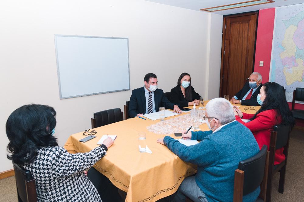 reunion del presidente de la Camara Binacional Boliviano Paraguaya Jorge Sanchez Pena Sattori con la embajadora de Paraguay en Bolivia la Sra. Terumi Matsuo