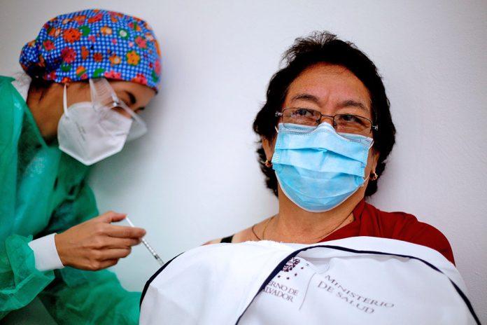 vacuna contra covid-19 San Salvador