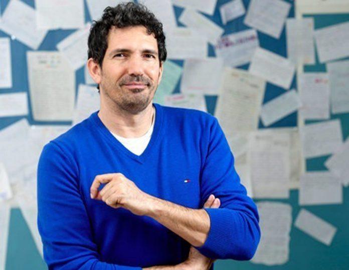 Entrevista a Cesar Bona profesor escritor y conferencista espanol