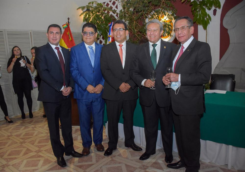 Jorge Eguivar Eduardo Olivo Pablo Camacho Juan Carlos Viscarra Mario Paredes