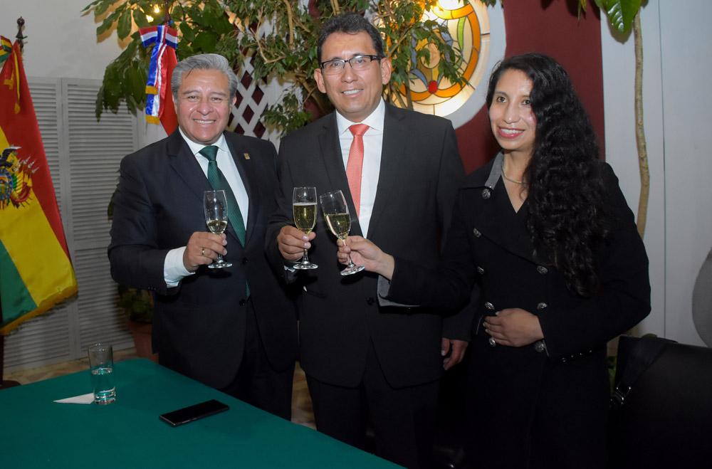 Juan Carlos Viscarra Pablo Camacho Alejandra Gastelu