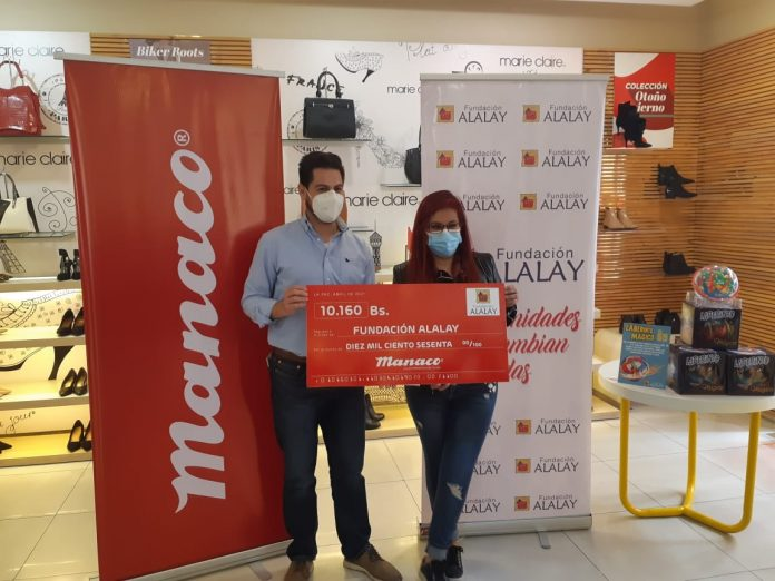 La entrega se realiza a la Fundacion Alalay
