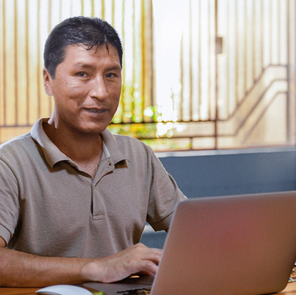 """Bolivia: El quinto país más emprendedor del mundo cierra con éxito el """"Mes del Comercio Electrónico"""" - JORNADA"""