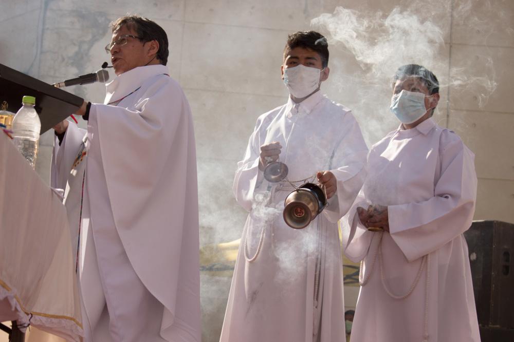 Devotos que acudieron a la santa misa