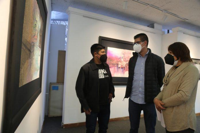 Director de Miko Art Gallery expone en la Casa de la Cultura despues de tres anos