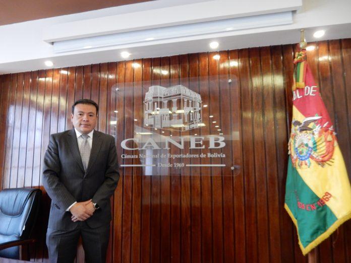 presidente de CANEB Sr. Danilo Velasco Valdez