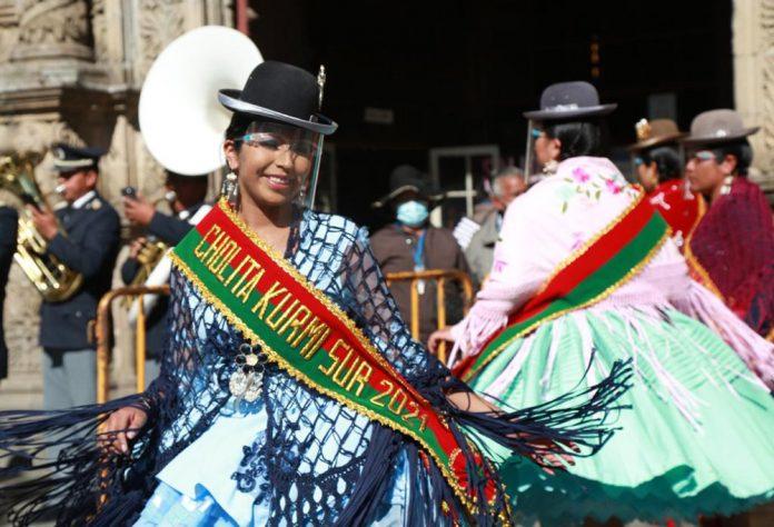 Presentan a las 18 candidatas que buscan ser Cholita Pacena 2021