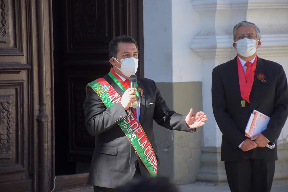Dr. Freddy Cuentas presidente de Amigos de la Ciudad