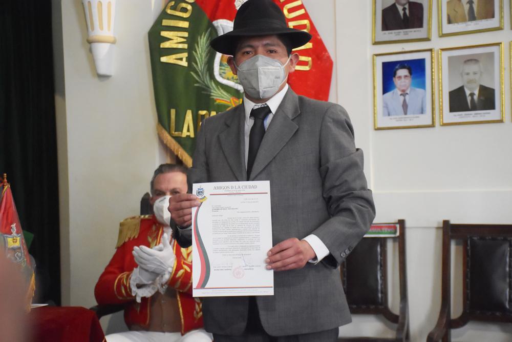Lic. Gary Sergio Payllo Quisberth Director de la Academia de Baile Soy Bolivia