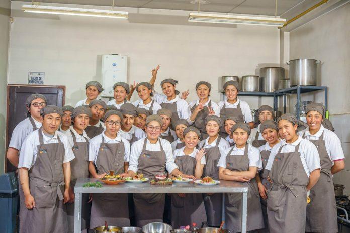 Restaurante social Manqa es elegida como una de las 50 mejores pymes del mundo