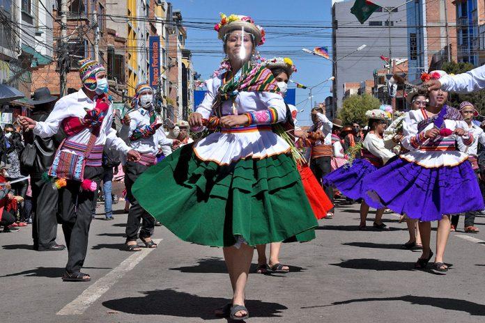 desfile de danzas folclóricas