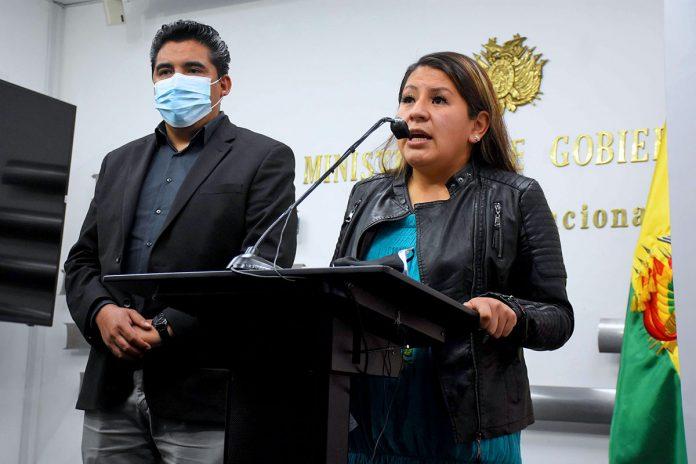 Juan Carlos Limpias y Mariana García