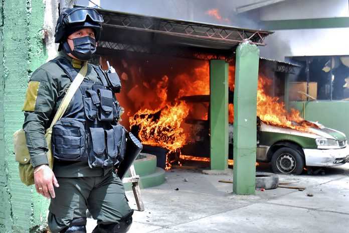 incendio unidad policial