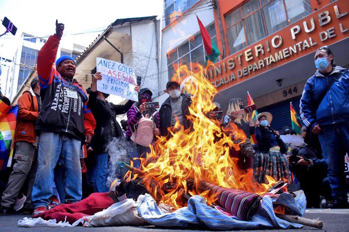 protesta familiares de las víctimas de la crisis de 2019