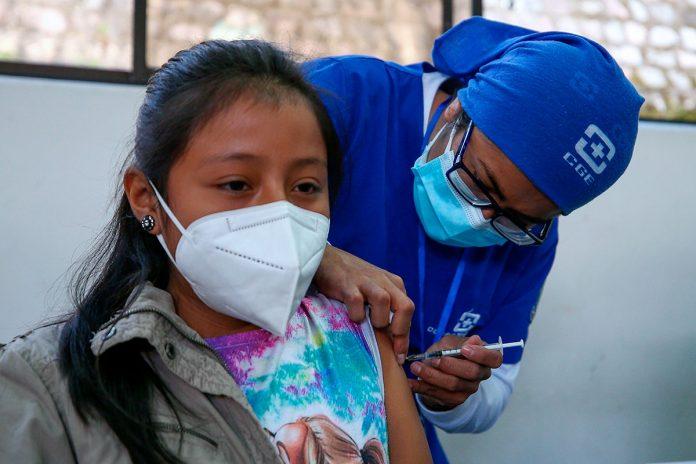 vacuna contra covid-19 a menores