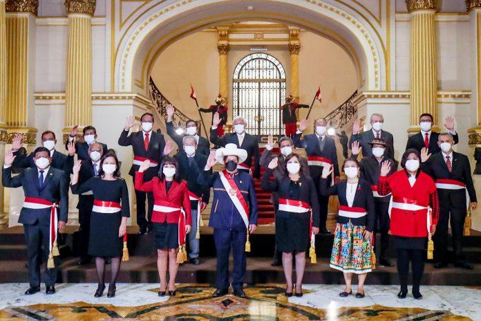 Pedro Castillo juramentó a ministros de Estado